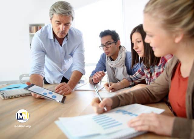 ارزیابی و تحلیل رفتار مصرف کننده یا مشتری ارزیابی رفتار مصرف کننده و مشتری برای تقویت کسب و کار
