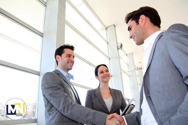 چگونه برای اولین بار با مشتری قرار ملاقات بگذاریم؟ قرار ملاقات اول با مشتری
