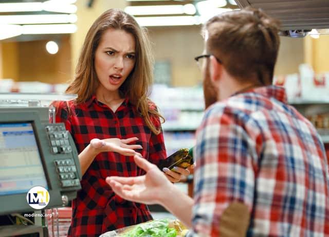چگونه فروشنده یا فروشندگان سبب فراری دادن مشتری می شوند؟ فراری دادن مشتری توسط فروشنده